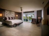 Vegas Views - Master Bedroom Suite -   Las Vegas luxury home rental